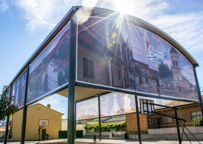 Diseño de lonas decorativas en gran formato para el Ayuntamiento de Humanes